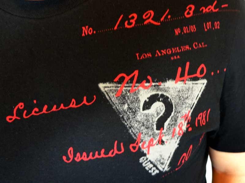 Tricou Guess negru - detaliu