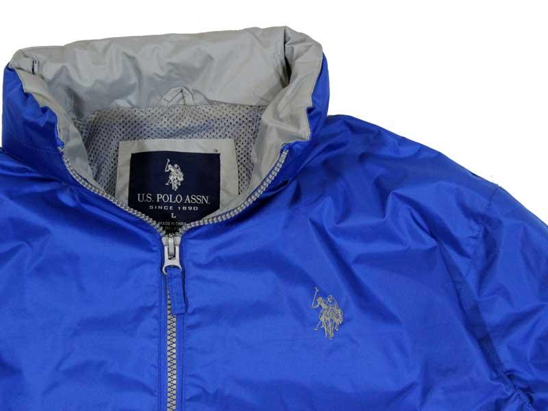 Geaca albastra de firma US Polo Assn - detaliu guler