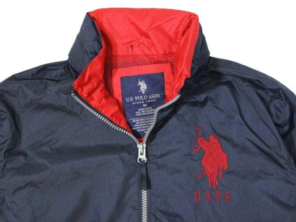 Geaca albastra de firma US Polo Assn cu ponei mare - detaliu logo
