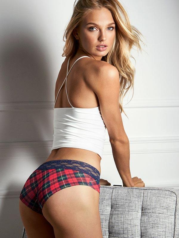 Chiloti dantela Victoria's Secret Lace Waist Hiphugger Panty holiday plaid print - model